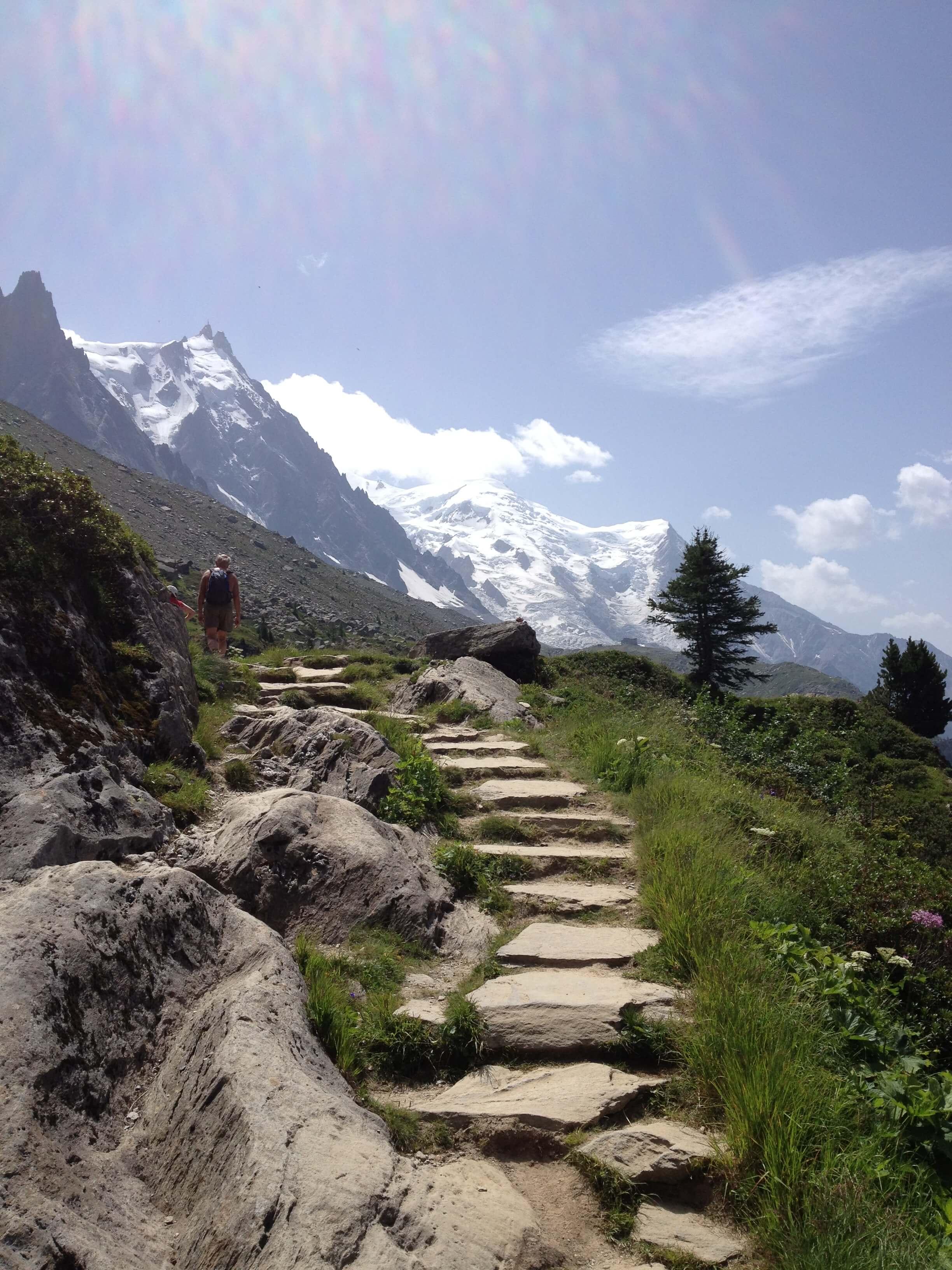 Familie vandretur ved Mont Blanc